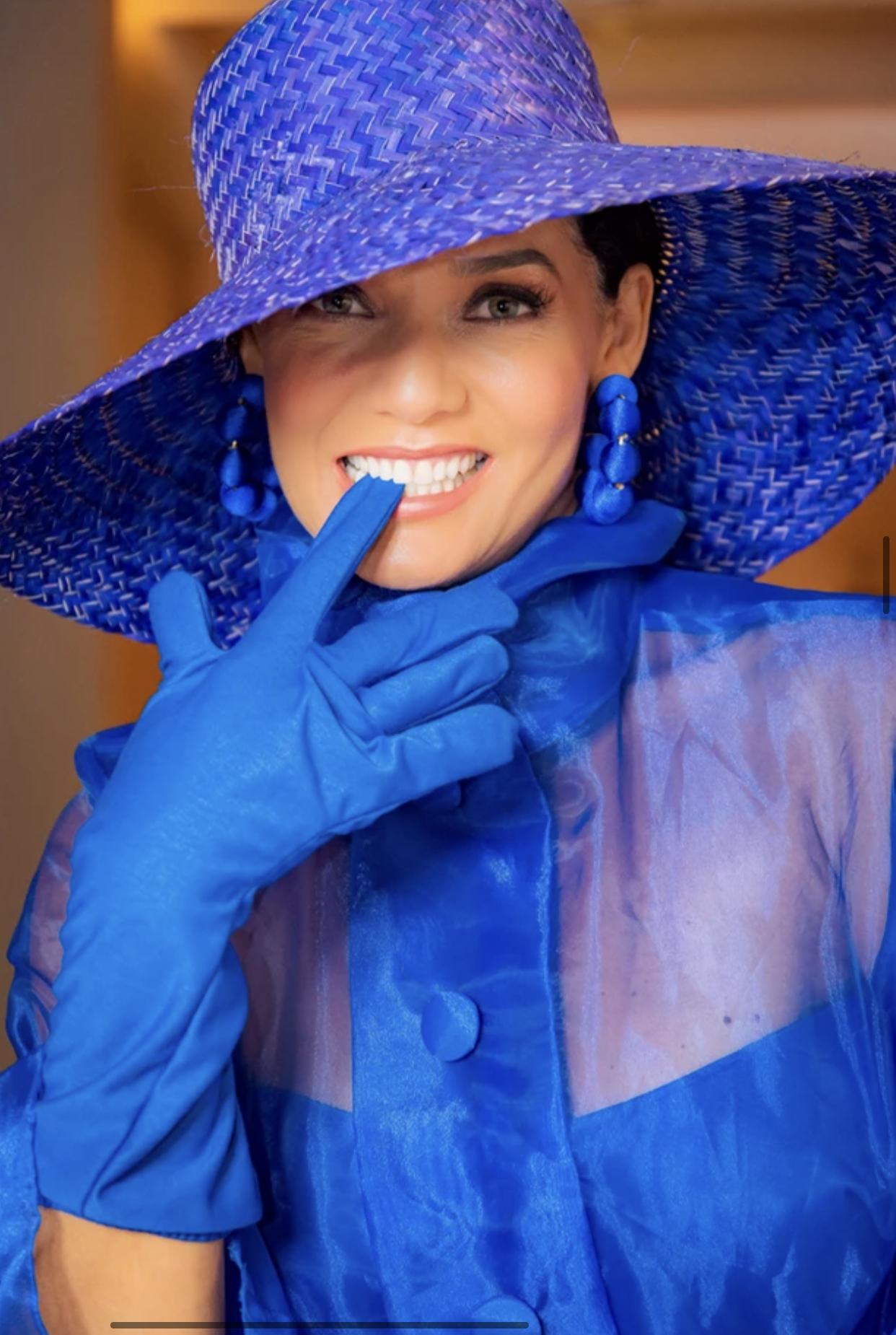 Mônica Carvalho Azul
